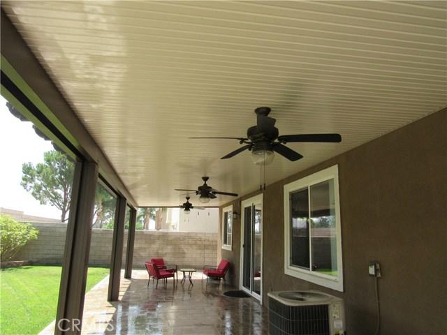6975 Garden Rose Street, Fontana CA: http://media.crmls.org/medias/895d5690-e913-4608-aa04-502dc924225b.jpg