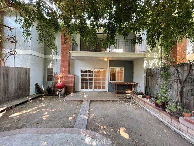 1003 Nancy Lane, Costa Mesa CA: http://media.crmls.org/medias/89686877-57c0-4ad6-90e3-5f3c2b12298a.jpg