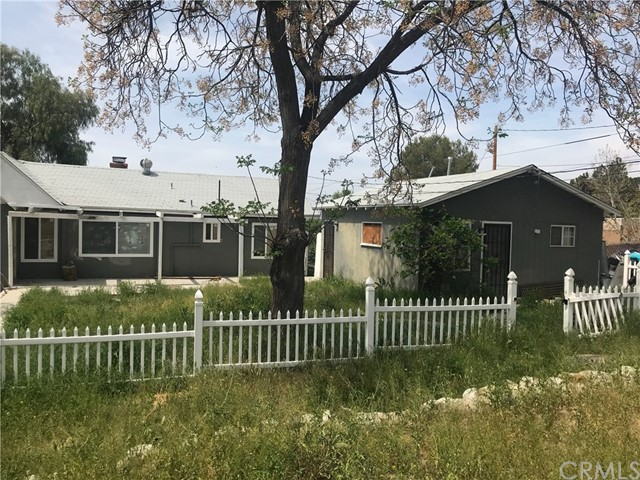 885 N Girard Street Hemet, CA 92544 - MLS #: DW18078025