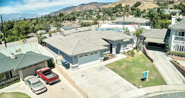 1406 E Ralston Avenue, San Bernardino CA: http://media.crmls.org/medias/898592a5-2b9c-402c-bfab-beea7525bffb.jpg