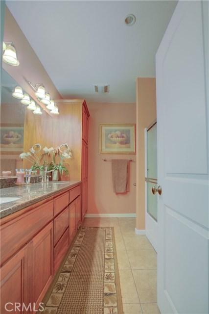 8777 Blossom Avenue, Dos Palos CA: http://media.crmls.org/medias/89896d8d-36f7-405a-be51-759c811125c1.jpg