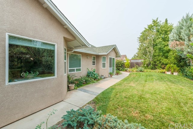 101 Copperfield Drive, Chico CA: http://media.crmls.org/medias/898f6105-0796-489e-96eb-6428d4211b00.jpg