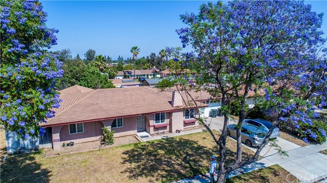603 S Spruce Avenue Rialto, CA 92376 is listed for sale as MLS Listing CV17113689