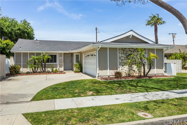 Single Family Home for Sale at 5101 29th Street E Long Beach, California 90815 United States