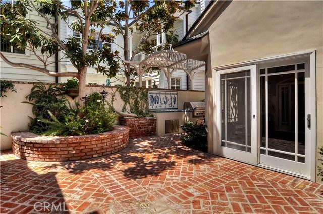 2515 Vista Drive, Newport Beach CA: http://media.crmls.org/medias/899ce605-f517-4cae-bb69-d68ff1d59763.jpg