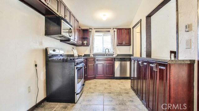 8944 Haskell Street, Riverside CA: http://media.crmls.org/medias/89a9032a-35fc-4dba-804b-cd0c351dc582.jpg