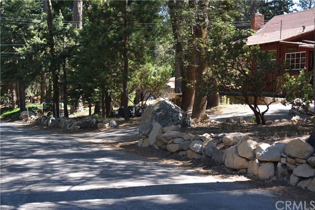 5963 Manzanita, Angelus Oaks CA: http://media.crmls.org/medias/89aee673-ac84-4fdc-8178-7e4777d44002.jpg