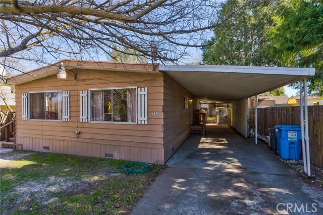 3562 Mountain View Street, Clearlake CA: http://media.crmls.org/medias/89b45875-ff1d-495e-8258-656b203772a7.jpg