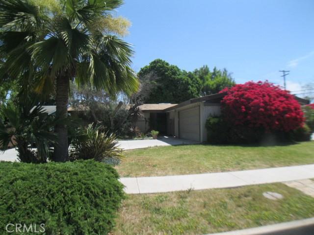 2538 Carnegie Avenue, Costa Mesa, CA 92626
