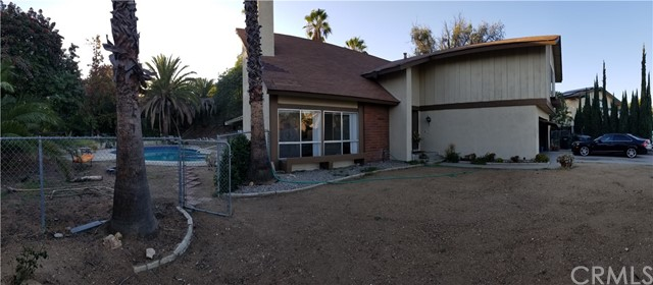 941 Baron Place, Escondido CA: http://media.crmls.org/medias/89b88e5c-7b0a-4576-bacb-bedb05b725d8.jpg