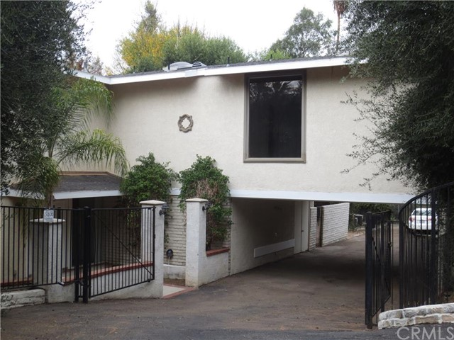 Single Family Home for Sale at 5100 Queen Street Riverside, California 92506 United States