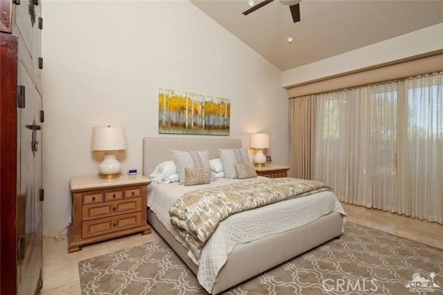 75192 Kavenish Way, Indian Wells CA: http://media.crmls.org/medias/89bb5505-98c8-4cff-8124-f1434a339044.jpg