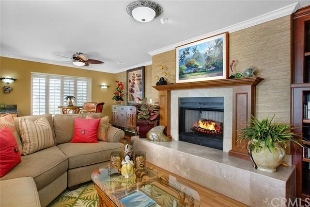 32041 Point Place, Laguna Beach CA: http://media.crmls.org/medias/89c62812-4e75-42d6-940d-e744e082c814.jpg