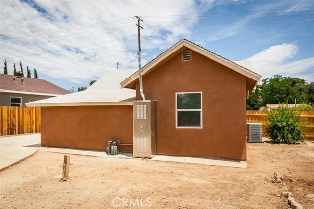 1025 BEAUMONT Avenue, Beaumont CA: http://media.crmls.org/medias/89d54950-a7f7-4beb-9981-9ea7312aaa32.jpg