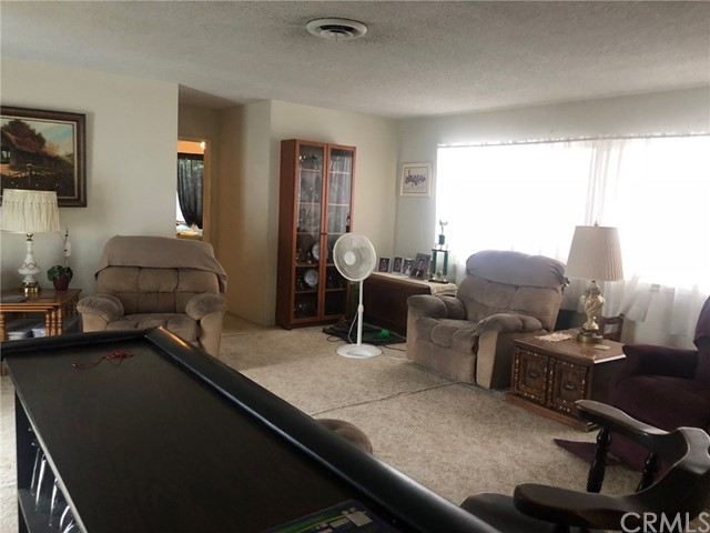 8097 Carnation Drive, Buena Park CA: http://media.crmls.org/medias/89da8506-70b9-4e78-8f3a-b1568d6eb9e9.jpg