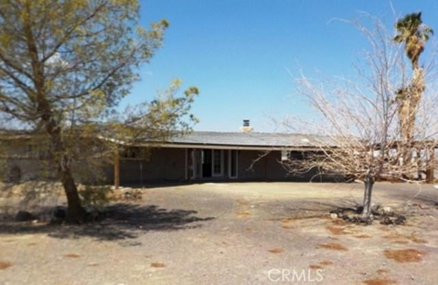 29976 Fort Cady Road, Newberry Springs CA: http://media.crmls.org/medias/89fb2c48-8857-4f53-906d-aaa7156638af.jpg