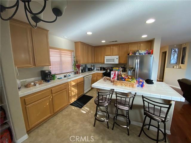 23718 Canyon Heights Drive, Menifee CA: http://media.crmls.org/medias/89fbbed5-a3d1-427c-84ba-7a5a1e7c559c.jpg