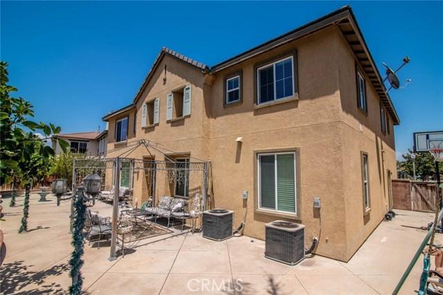 16010 Huntington Garden Avenue, Chino CA: http://media.crmls.org/medias/8a02e209-a5ba-4a0f-bec7-1d87c6b459db.jpg