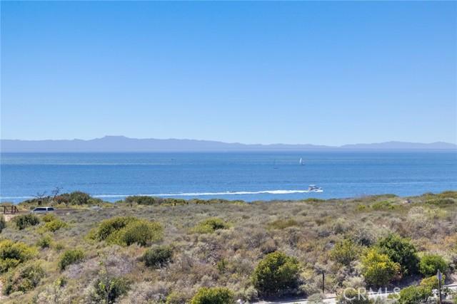 26 Sandy Cove, Newport Coast CA: http://media.crmls.org/medias/8a0895b2-ad0e-47de-84ab-f55baf25add1.jpg