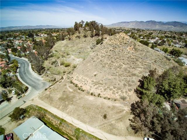 26860 Meridian Street, Hemet CA: http://media.crmls.org/medias/8a0cb869-80fe-4740-b86d-915c6a77d7c8.jpg
