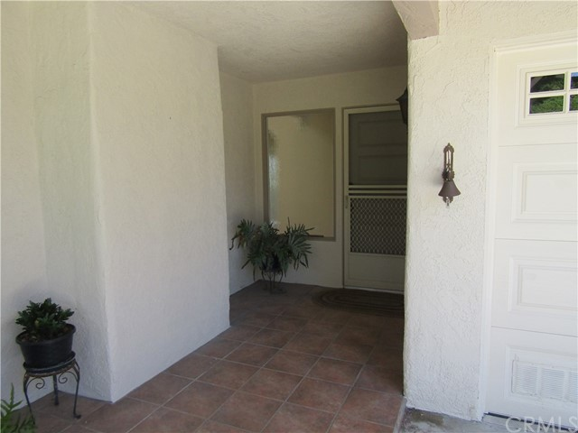 28032 Via Bonalde, Mission Viejo CA: http://media.crmls.org/medias/8a1f4f7e-55a3-479a-bcdf-6b6e439cc68b.jpg