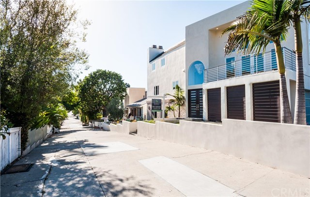 537 5TH STREET, MANHATTAN BEACH, CA 90266