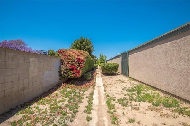 3525 W Stonepine Lane, Anaheim CA: http://media.crmls.org/medias/8a2e1cec-c9d1-4919-b7f9-20d2edc116a2.jpg