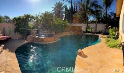 10752 Gerald Avenue, Granada Hills CA: http://media.crmls.org/medias/8a2feeec-8716-41a2-9960-6e6d3d041c41.jpg