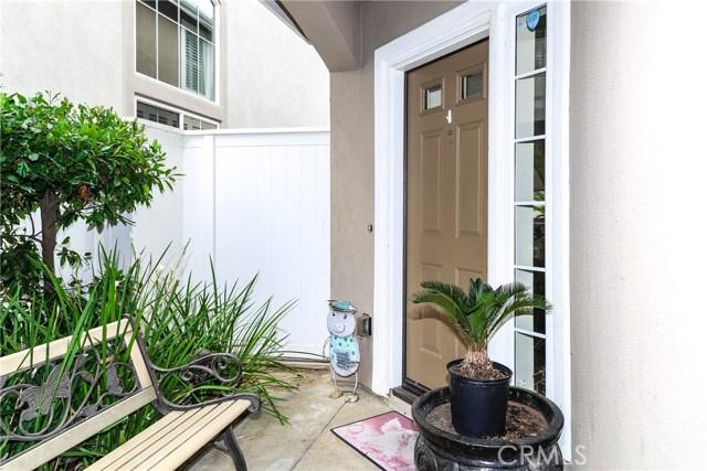 18611 Park Ridge Lane, Huntington Beach CA: http://media.crmls.org/medias/8a3c5e72-f9c8-485f-a76c-bc2a83d4c6b5.jpg