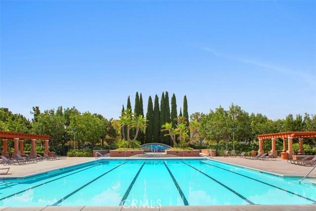 16 Calavera, Irvine CA: http://media.crmls.org/medias/8a3eb62c-aed5-4d5d-a7e1-748cbabeac01.jpg