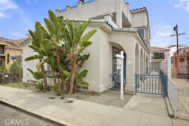 62 Saint Joseph Avenue, Long Beach CA: http://media.crmls.org/medias/8a529130-88b2-4edc-a476-e31e642864dd.jpg