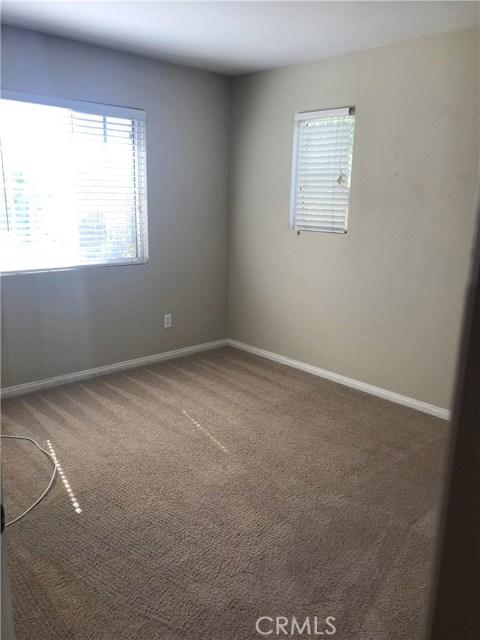 949 Spica Drive, Beaumont CA: http://media.crmls.org/medias/8a537865-fe99-447d-bdd6-8bd0703a7007.jpg