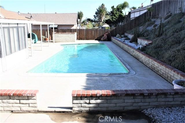 5980 Kitty Hawk Drive, Riverside CA: http://media.crmls.org/medias/8a7f95e7-457a-486a-a7ed-a378f8928c9f.jpg