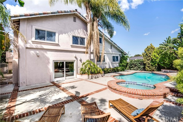 886 N Holly Glen Dr, Long Beach, CA 90815 Photo 33