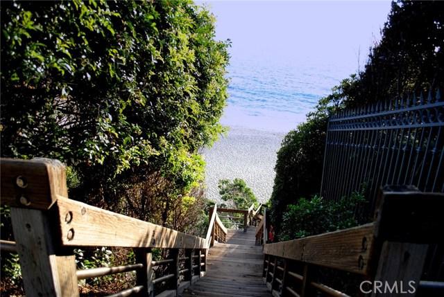 31959 Virginia Way, Laguna Beach CA: http://media.crmls.org/medias/8a8eba53-149d-453c-9f44-9ead38257a63.jpg