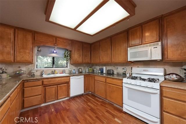 160 Weisshorn Drive Crestline, CA 92325 - MLS #: OC17229940