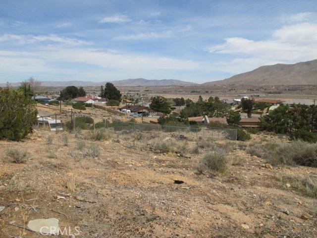 1 Niles Drive, Hesperia CA: http://media.crmls.org/medias/8a9fad45-9265-4fdd-a8a3-1edf08f8a188.jpg
