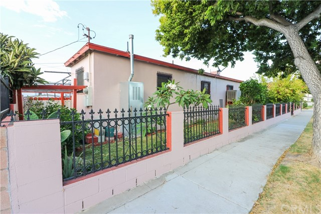 11921 209th Street, Lakewood, California 90715, 3 Bedrooms Bedrooms, ,1 BathroomBathrooms,Residential,For Sale,209th,DW19218530
