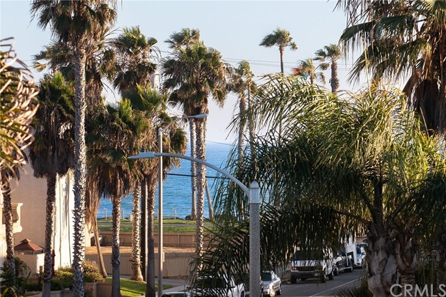 225 17th Street, Huntington Beach CA: http://media.crmls.org/medias/8aadc7d2-3978-458d-8ddb-17e63f735512.jpg