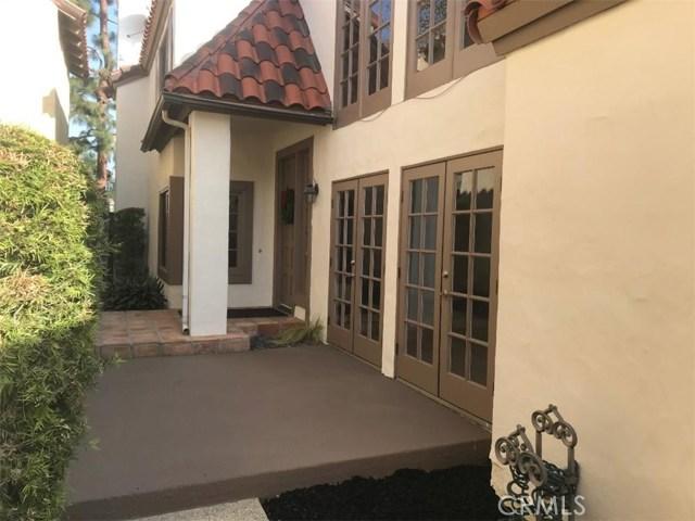 5609 La Paz Street, Long Beach CA: http://media.crmls.org/medias/8abc02f7-283f-4e3b-adb9-f5f35110567c.jpg