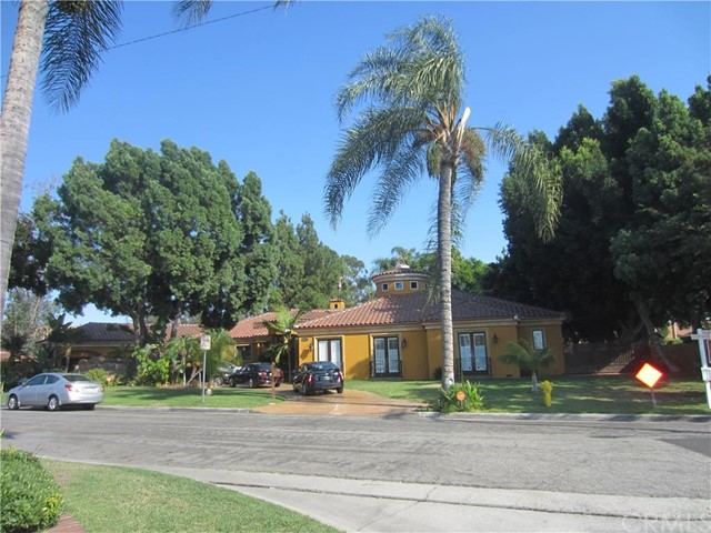 Single Family Home for Sale at 9580 Gallatin Road Downey, California 90240 United States