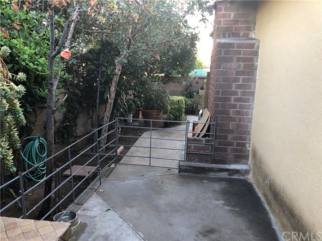 924 Russell Place Pomona, CA 91767 - MLS #: TR18185178