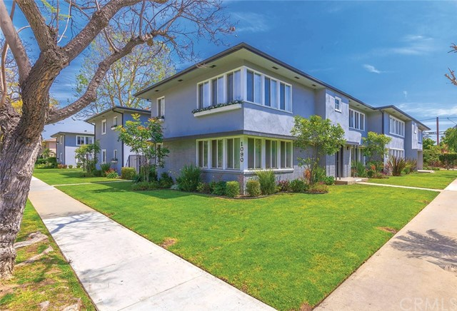 Single Family Home for Sale at 1090 E San Antonio Drive 1090 E San Antonio Drive Long Beach, California 90807 United States