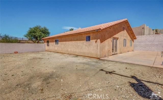 12944 Agua Cayendo Road, Desert Hot Springs CA: http://media.crmls.org/medias/8ac589dd-8704-4d4f-b991-bb2b20955300.jpg