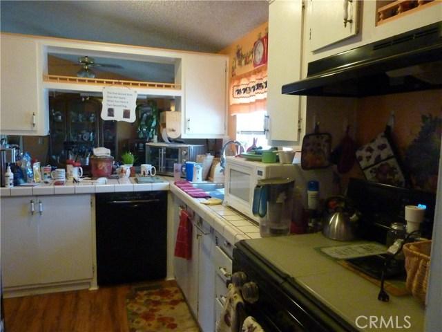20795 Santa Rosa Mine Road, Perris CA: http://media.crmls.org/medias/8acf6e05-08c6-44d0-9f89-a0cc3b6fb732.jpg