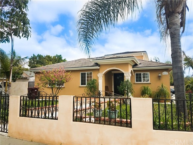 Single Family Home for Sale at 917 Pacific Avenue S Santa Ana, California 92703 United States