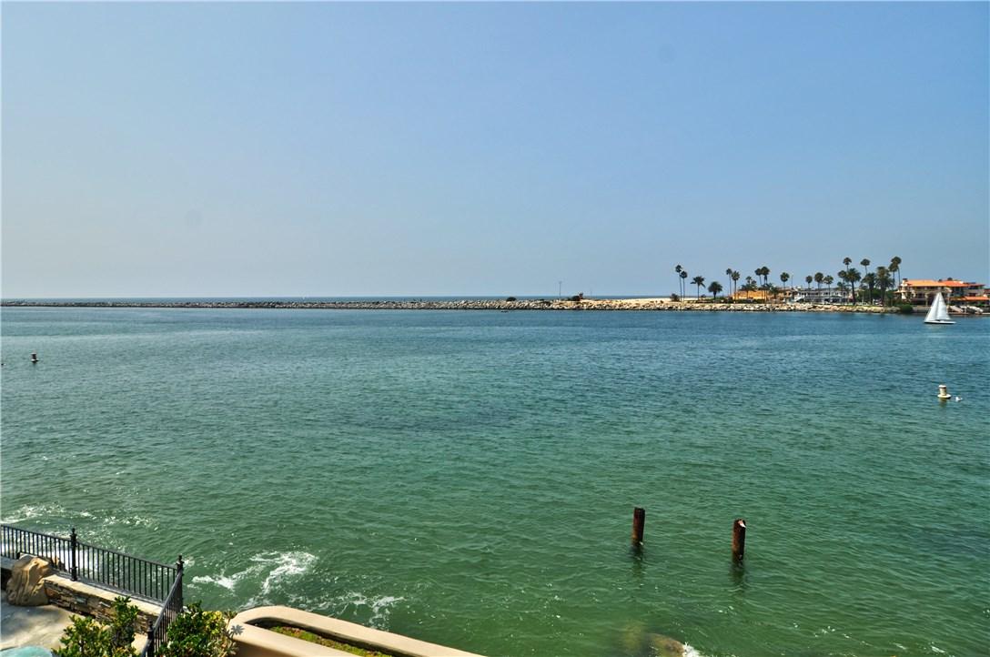 2717 Shell Street, Corona del Mar CA: http://media.crmls.org/medias/8afc7b59-c579-4194-9d09-a8affec8c194.jpg