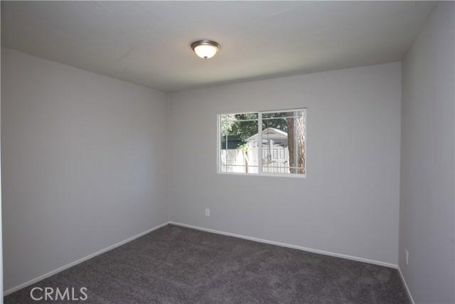 10244 Whitegate Avenue, Sunland CA: http://media.crmls.org/medias/8b08d93f-359e-4922-8068-a9b81fb61a87.jpg