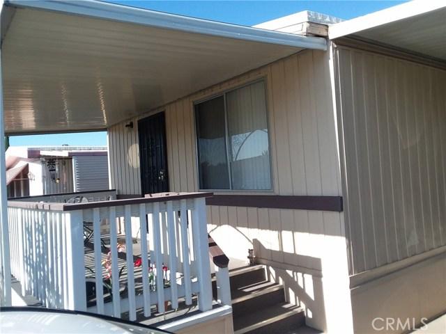 1315 E Marshall Boulevard, San Bernardino CA: http://media.crmls.org/medias/8b2441a2-e149-4e6f-9a56-b1a1ce3dbabe.jpg