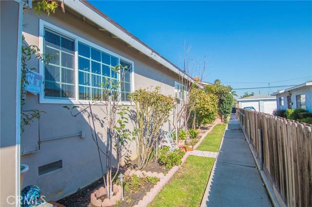 4115 W 161st W Street, Lawndale CA: http://media.crmls.org/medias/8b3050f5-8c71-4083-8a73-7fd3348fb646.jpg